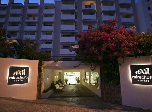 Entrance Tourist Apartments Mirachoro I en Albufeira